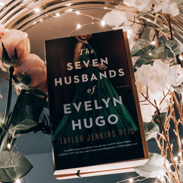 Book Review| The Seven Husbands of Evelyn Hugo by Taylor Jenkins Reid